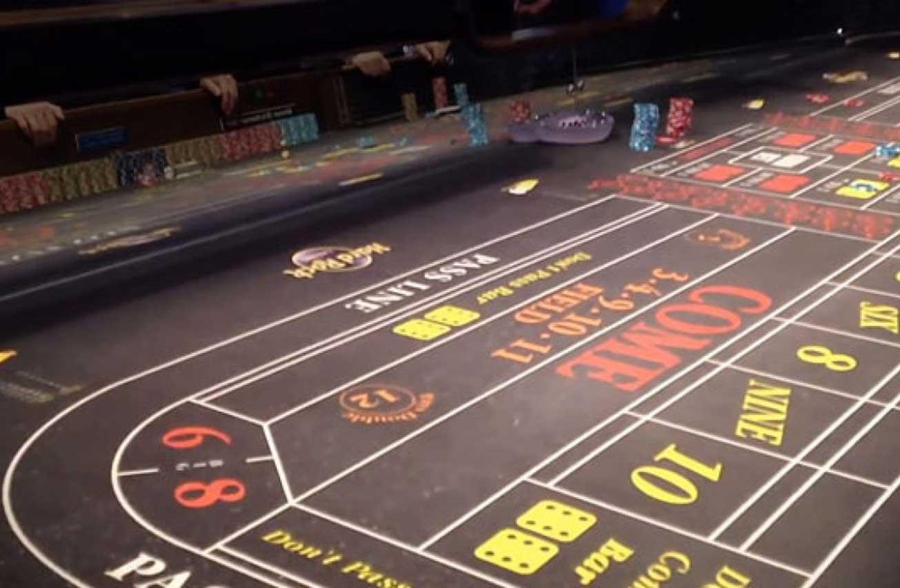 Making money online poker